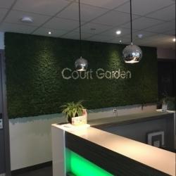court garden moswand3
